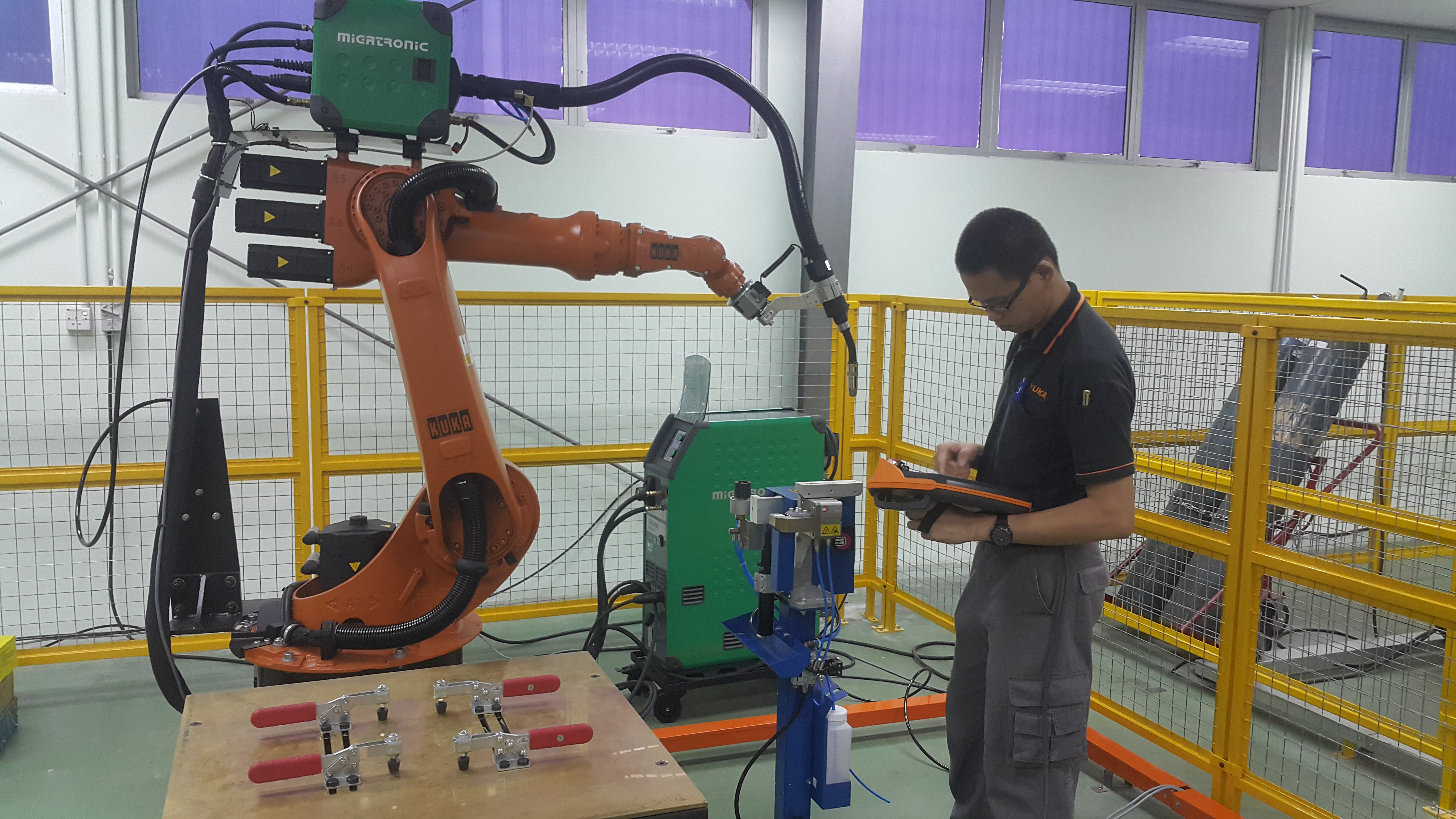 Migatronic Welding Power Source with Kuka Robotic Arm @ UTeM University Malaysia.